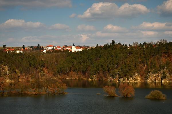 Hartvíkovice, pohled ze Stropešínského mostu