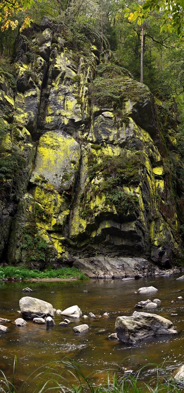 Žlutá skála, svislé panorama z 5-ti fotek