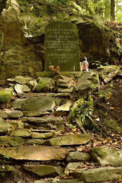 Pomník na Lamberku