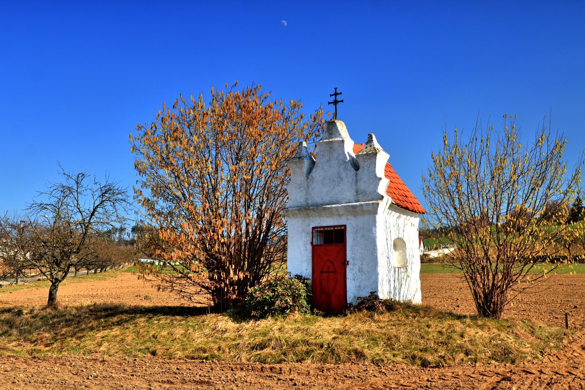 Kaplička u Červené Lhoty