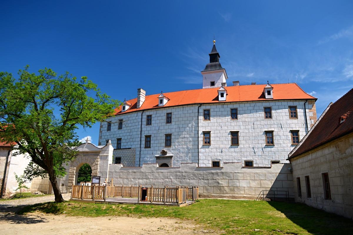 Starý zámek Mikulovice