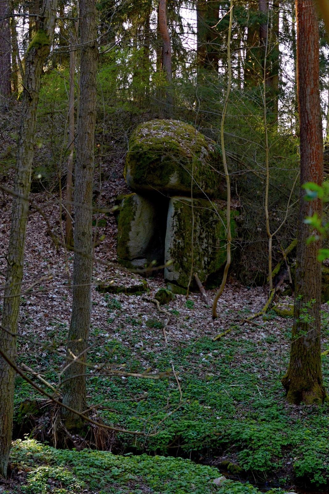 Kamenná kaple