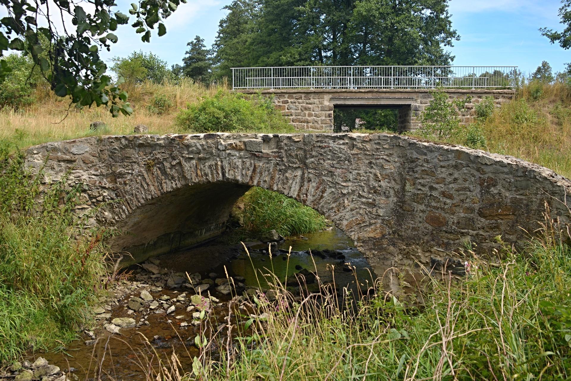 Kamenný most přes Borovský potok