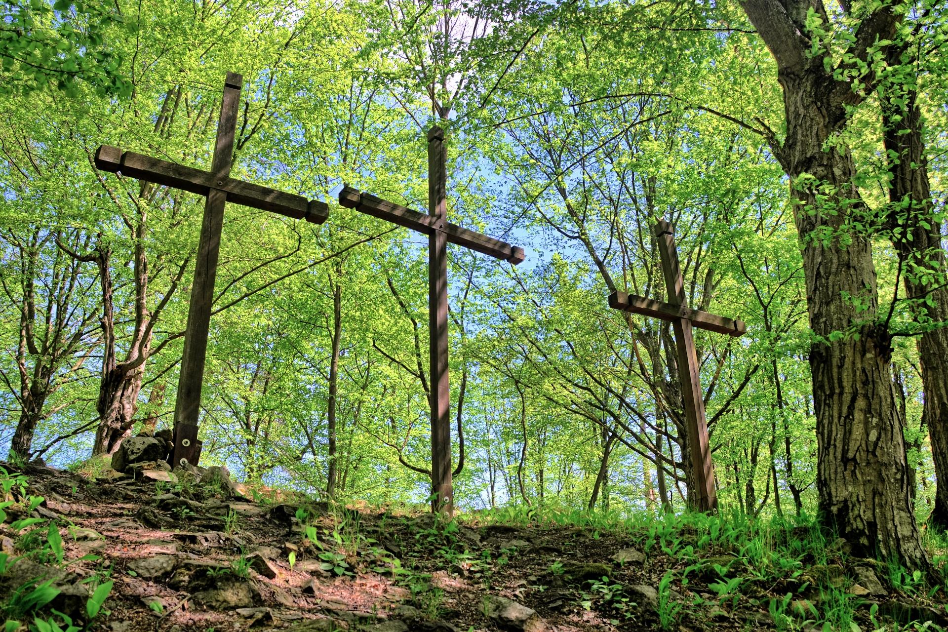 Tři kříže na Sedleckém hradě